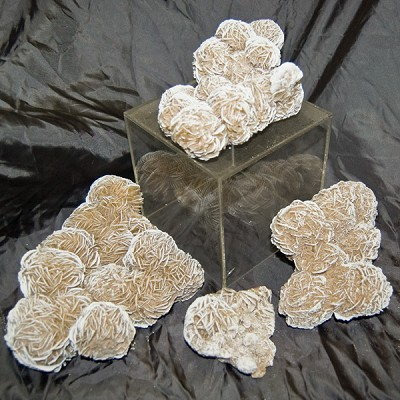 Decorator Mineral Request - Desert Rose Cluster